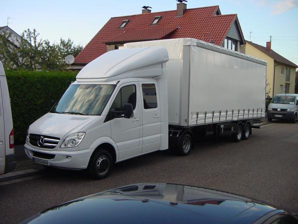 mercedes sprinter mit sattelauflieger. Black Bedroom Furniture Sets. Home Design Ideas